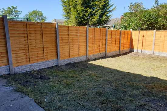 garden maintenance and fence building 2